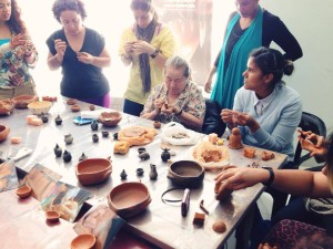 Trabajo de Alfareros con la Maestra Elisa Castillo